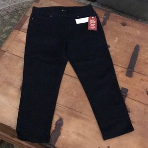 Black Denim Capri Jeans